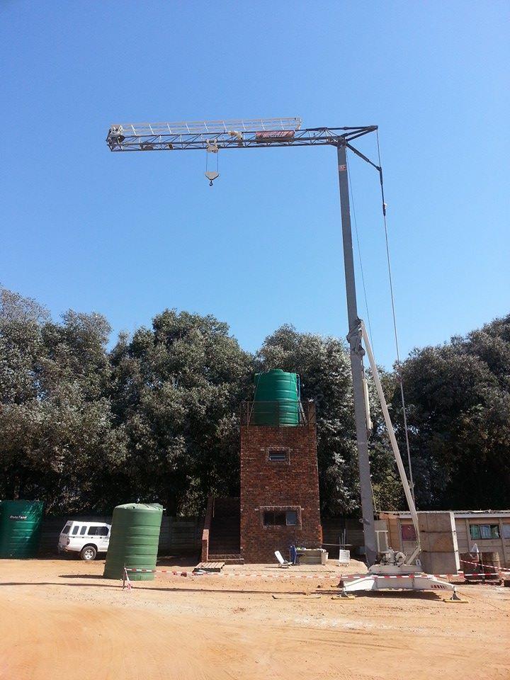 self-erecting-cranes
